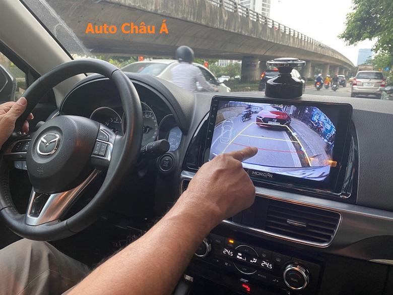 Cmaera lùi tích hợp trên màn hình android ô tô